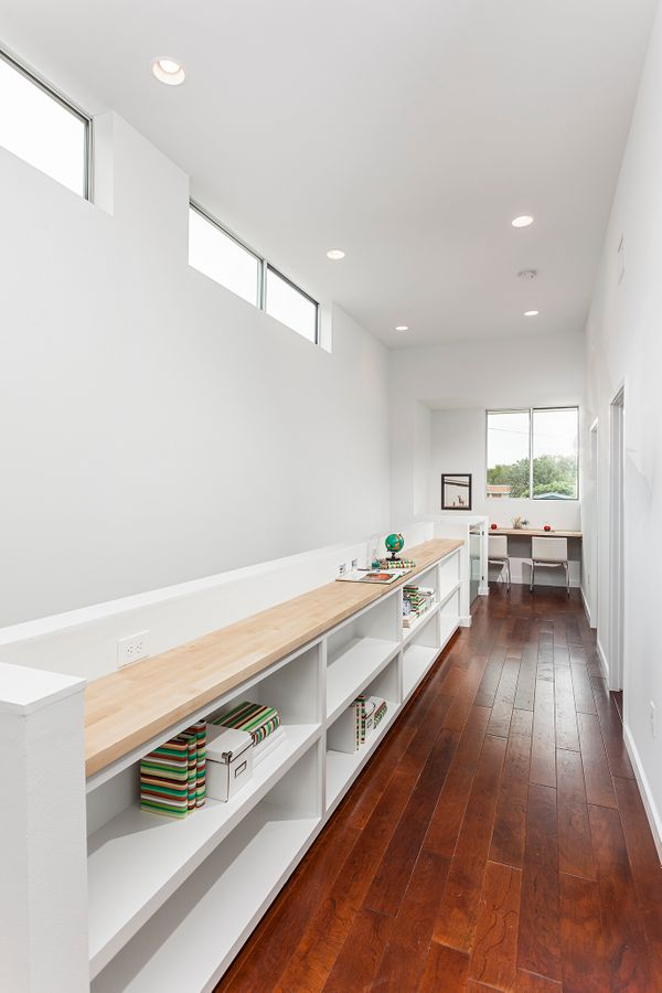 1707 Brentwood A Hall+Desk.jpg