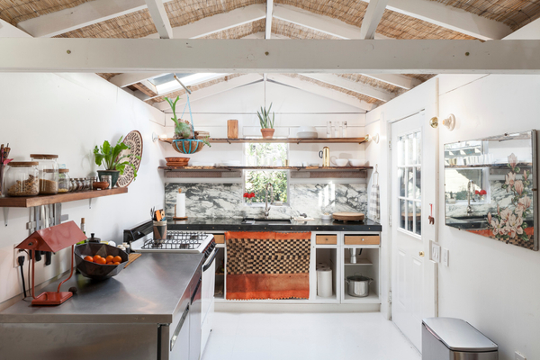 1313 Comal Kitchen Main AC7129w.jpg