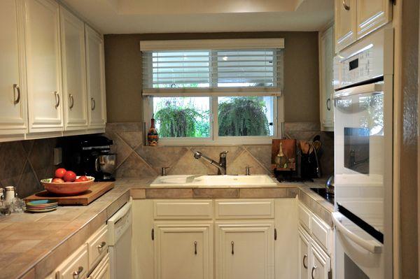 6103 Gardenridge Kitchen 3 (edit DSC_1024).jpg
