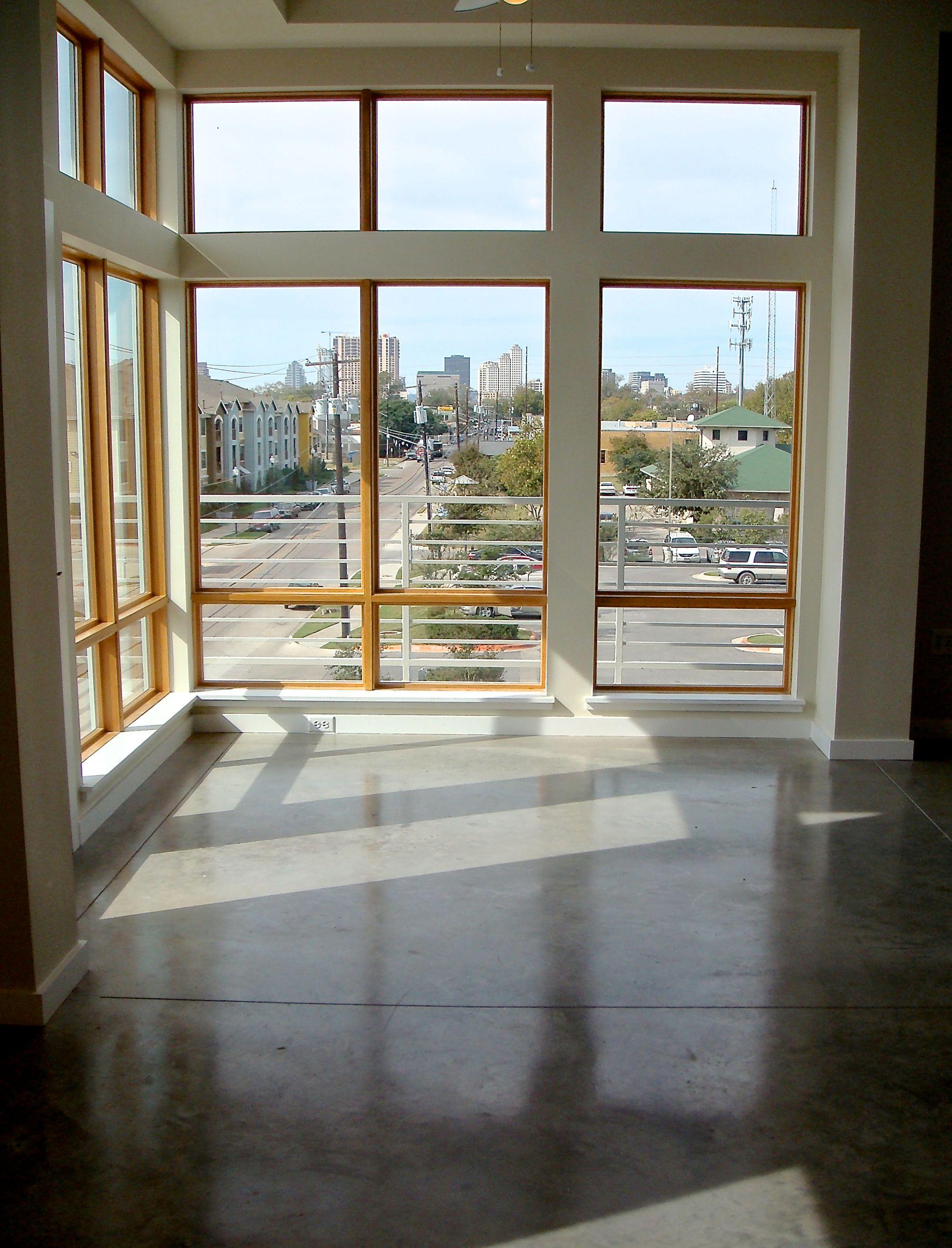2124 #301 Window View DSC01427.jpg