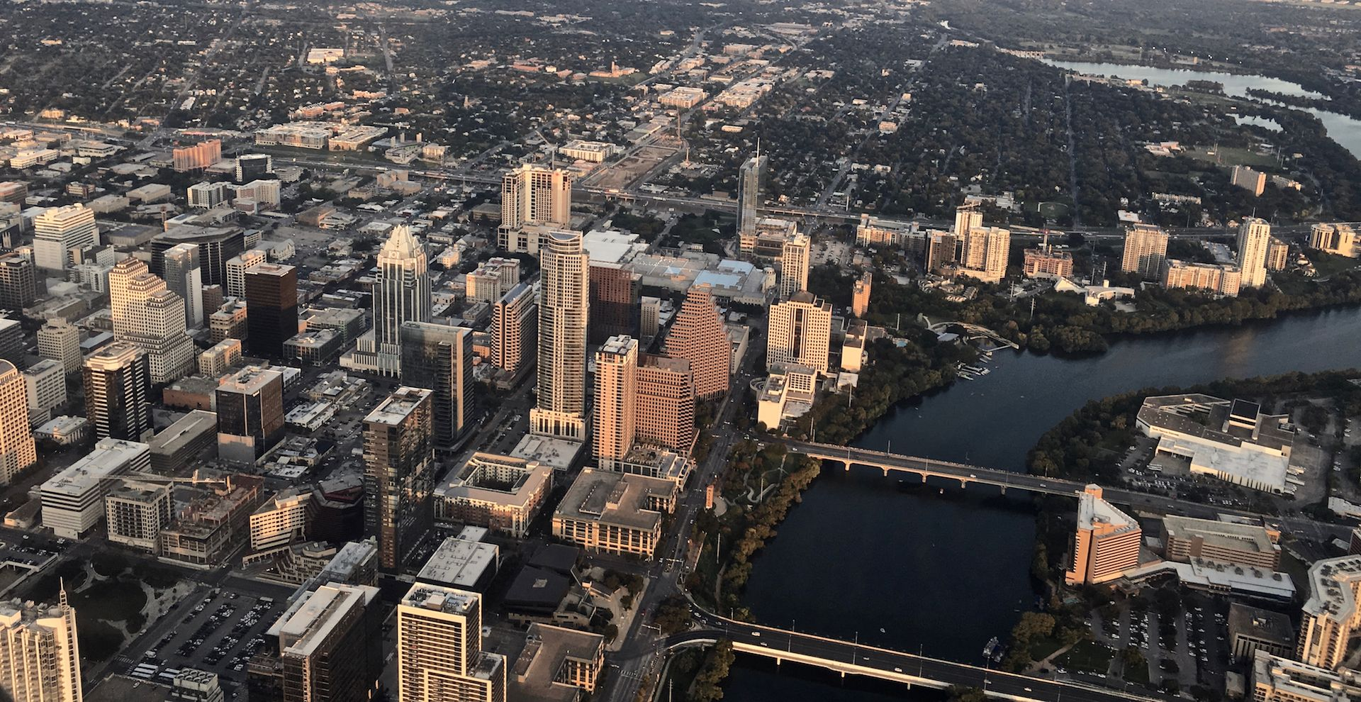 Austin Skyline Aerial IMG_0378 (Oct2017) 1920x990px.jpg