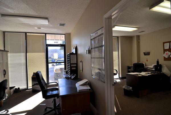 8906 Wallstreet 505 Office 2 (edit DSC_1846).jpg