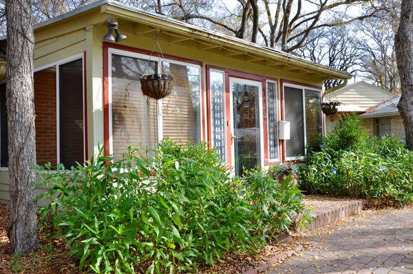 4209 Wilshire Exterior Front Room (edit DSC_0842).jpg