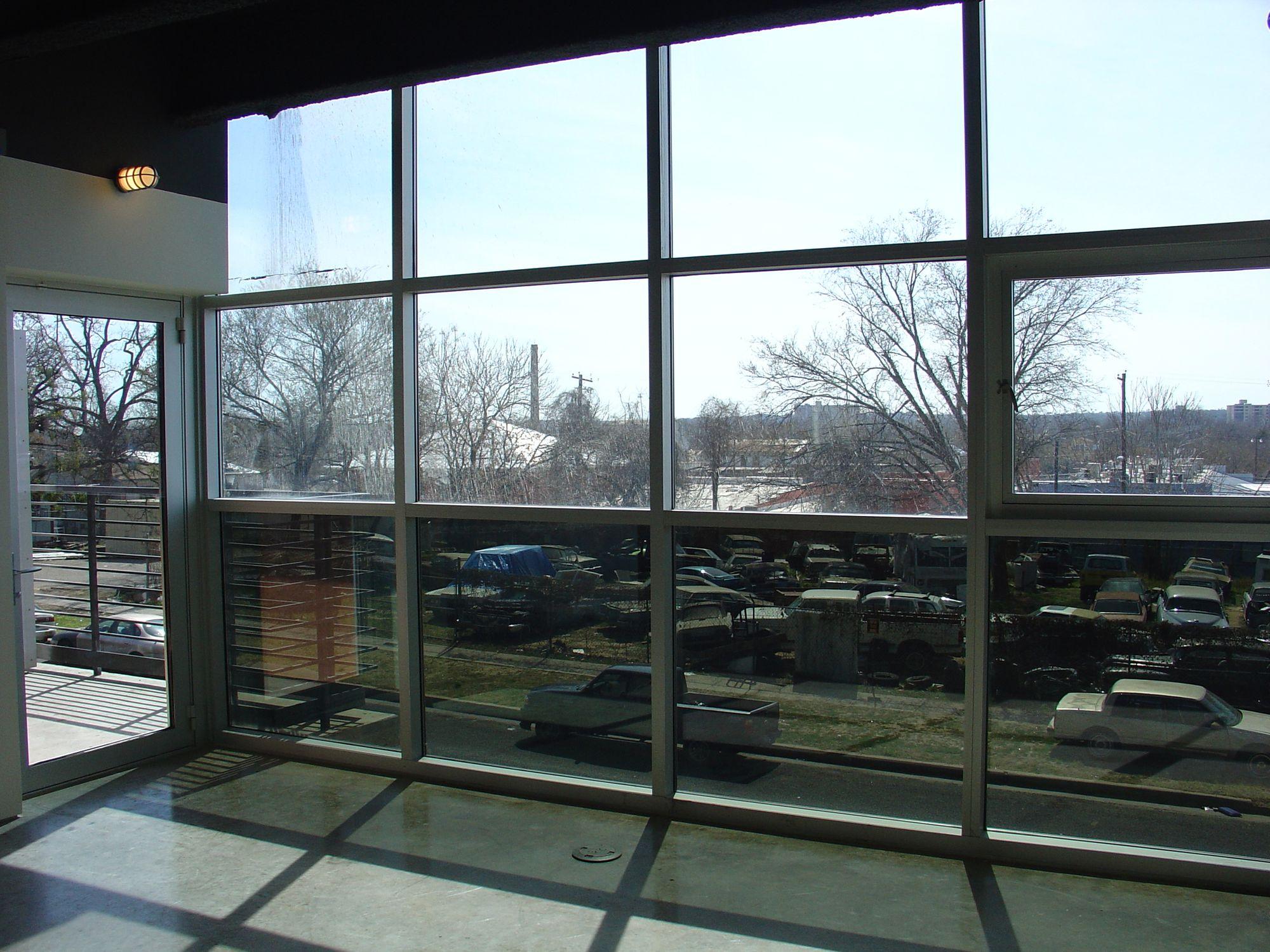 6+B 203 Window (DSC03811).JPG
