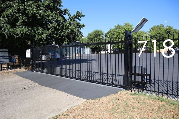 718B Northwestern_Gated Entry.JPG
