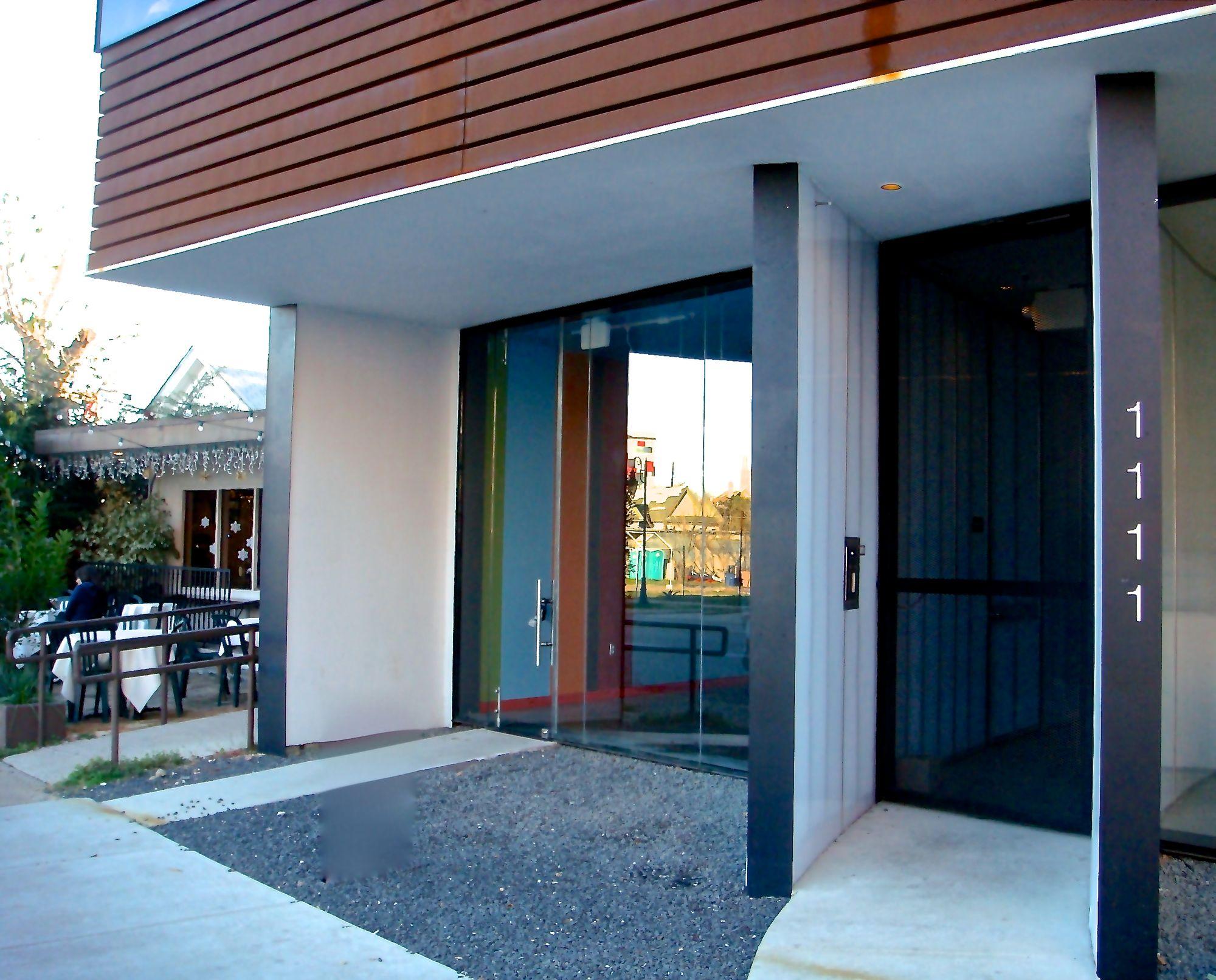 Eleven11 #150 entrance (edit DSC03783).jpg