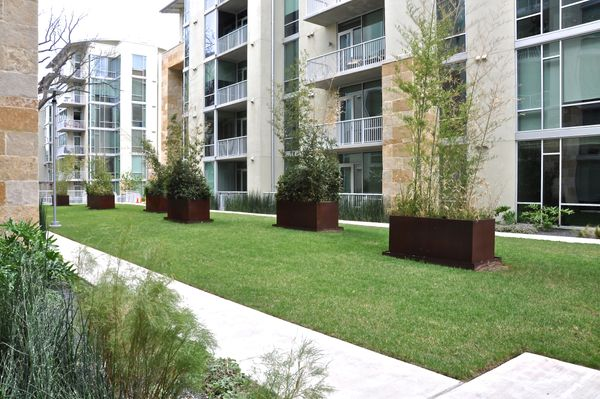 23 Barton Place 2102 - central courtyard (DSC_0017).jpg