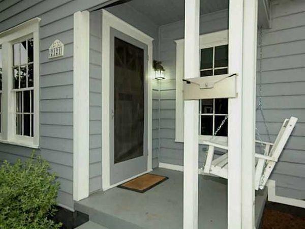 2121 Glendale - Porch.jpg