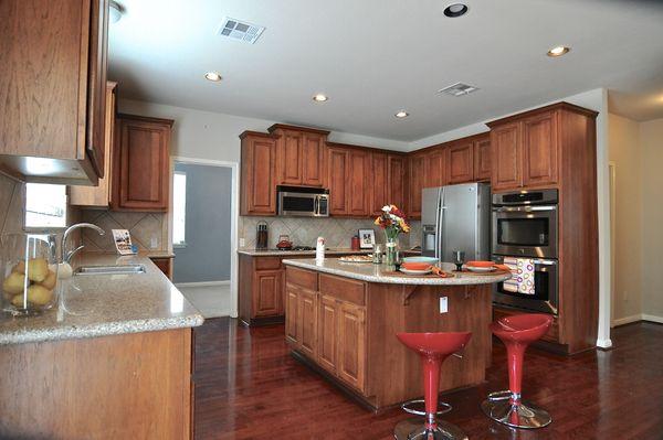 7315 Roaring Springs - kitchen2 (edit DSC_0102).jpg