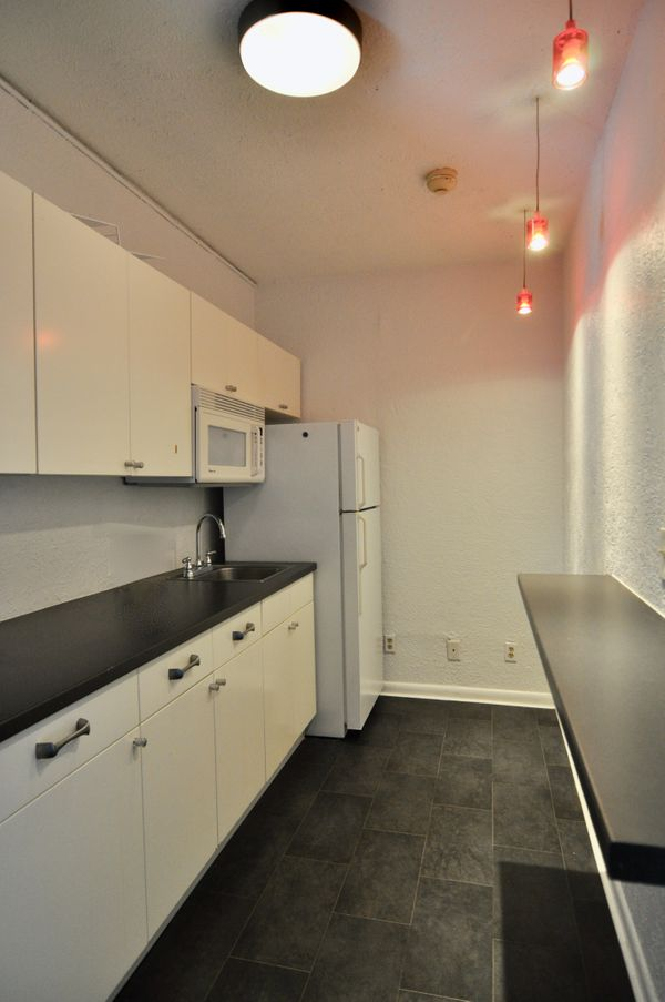 107 Leland Breakroom DSC_0552.jpeg