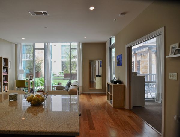 19 Barton Place 2102 - wood floors (DSC_0024).jpg