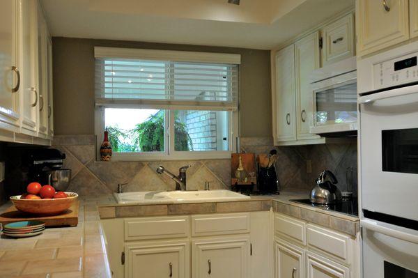 6103 Gardenridge Kitchen 2 (edit DSC_0996).jpg