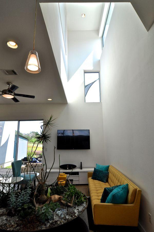 5605 Agatha Living Ceiling (edit med DSC_0820).jpg