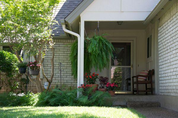 6103 Gardenridge Porch 2 (edit DSC_0951).jpg