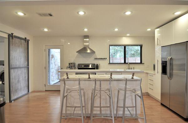 6118 Gardenridge Kitchen Main (edit 2015-09-11 09.39.51).jpg