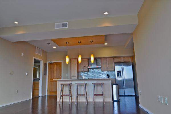 Barton Place 1606 - Kitchen (DSC1589).jpg