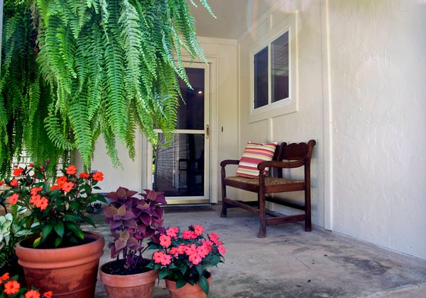 6103 Gardenridge Porch (edit DSC_0948).jpg