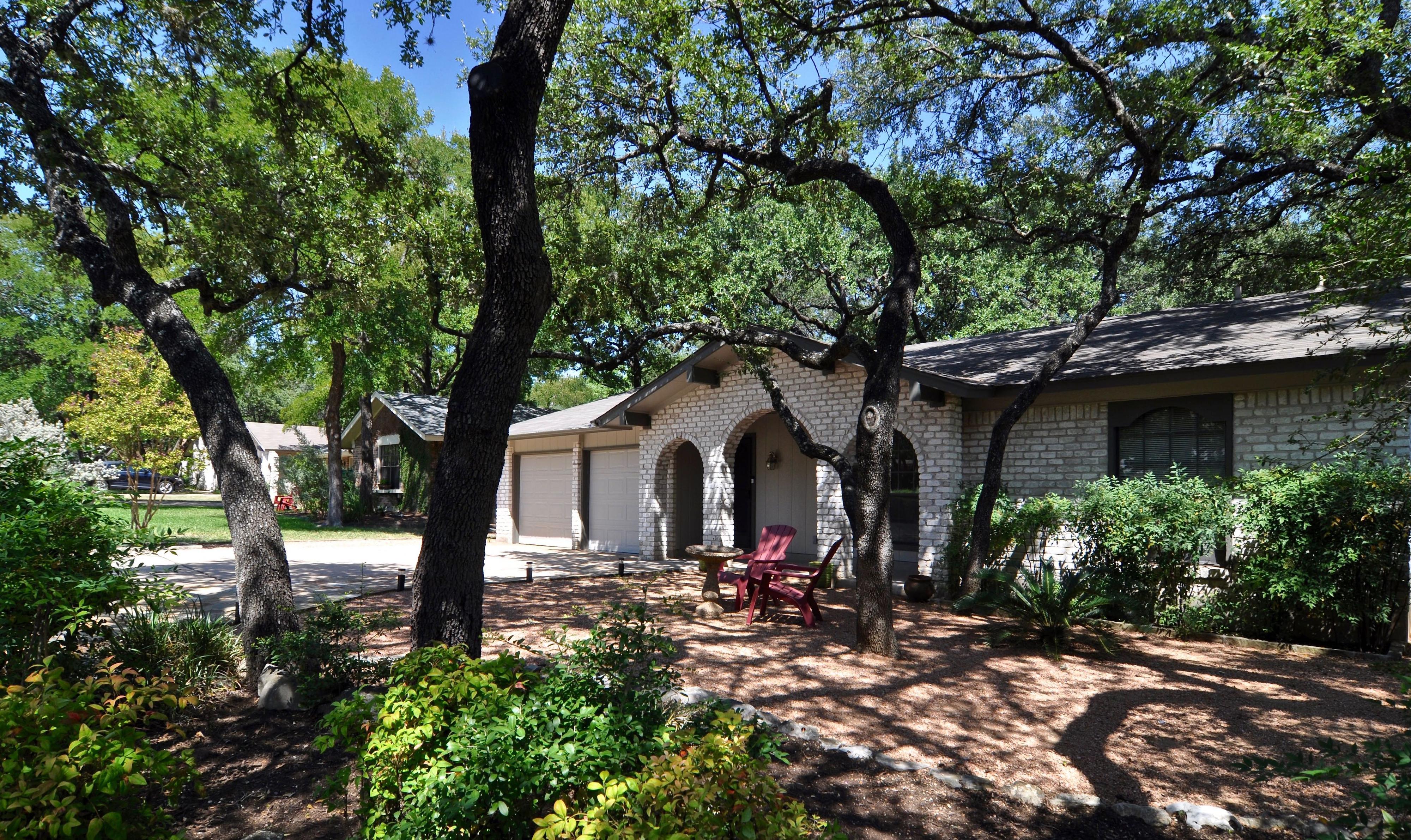 11509 Three Oaks Ext Front (edit med DSC_1113) 4200x2500px.jpg
