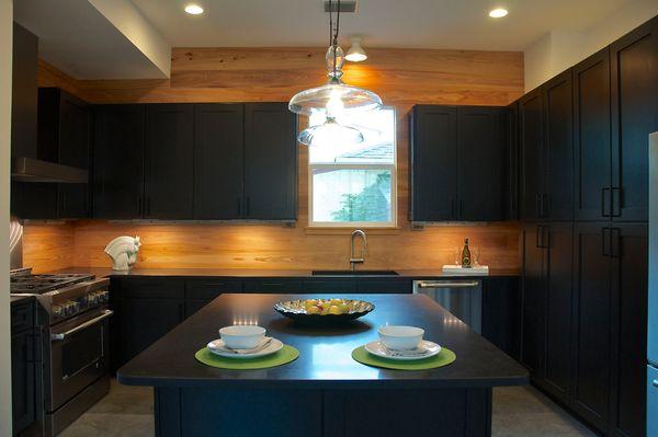 1209 Cedar Kitchen 2 (edit DSC_1421).jpg