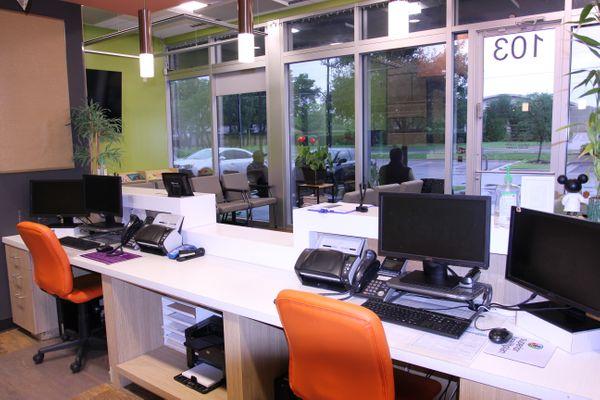 1139 W Braker Front Desk IMG_8828.JPG