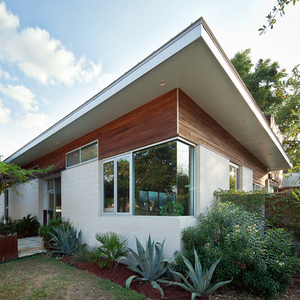 1011E15thSt - front angle 480sq (web 02).jpg