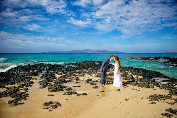 Morning wedding photography, Makean Cove, Maui