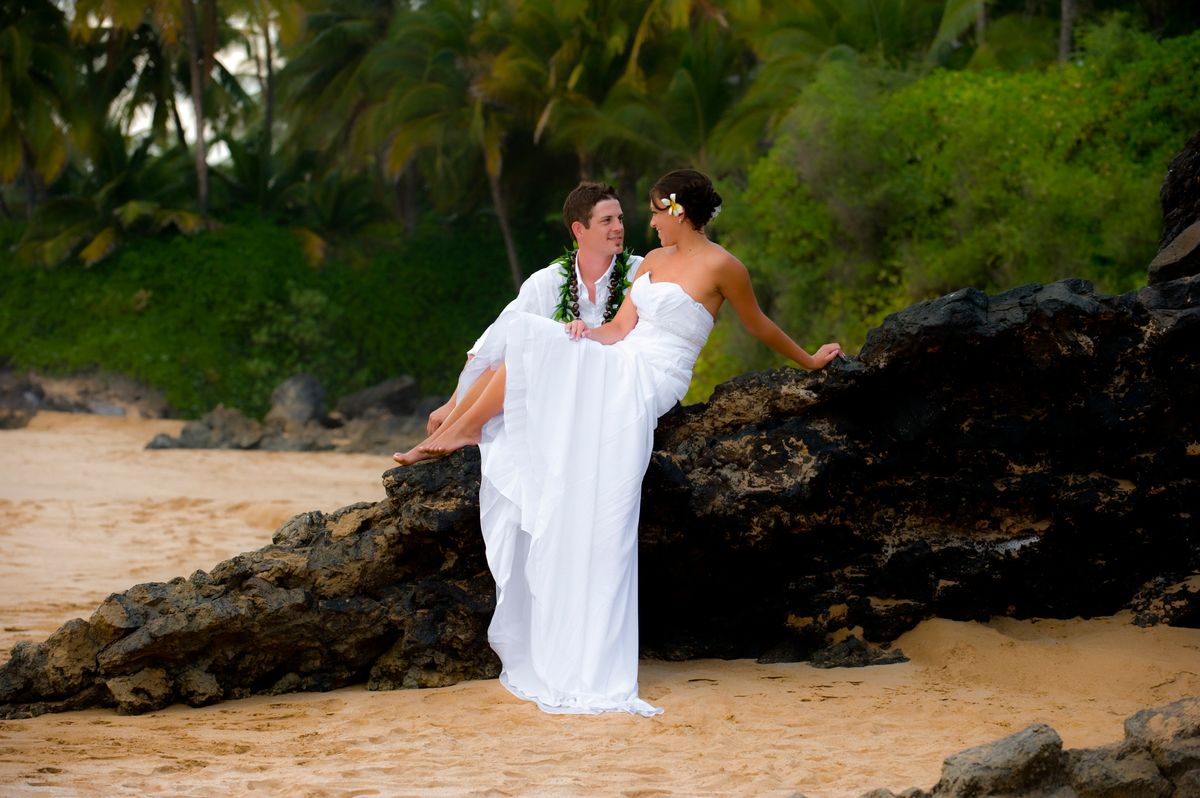 Couple's wedding portrait session in Makena, maui