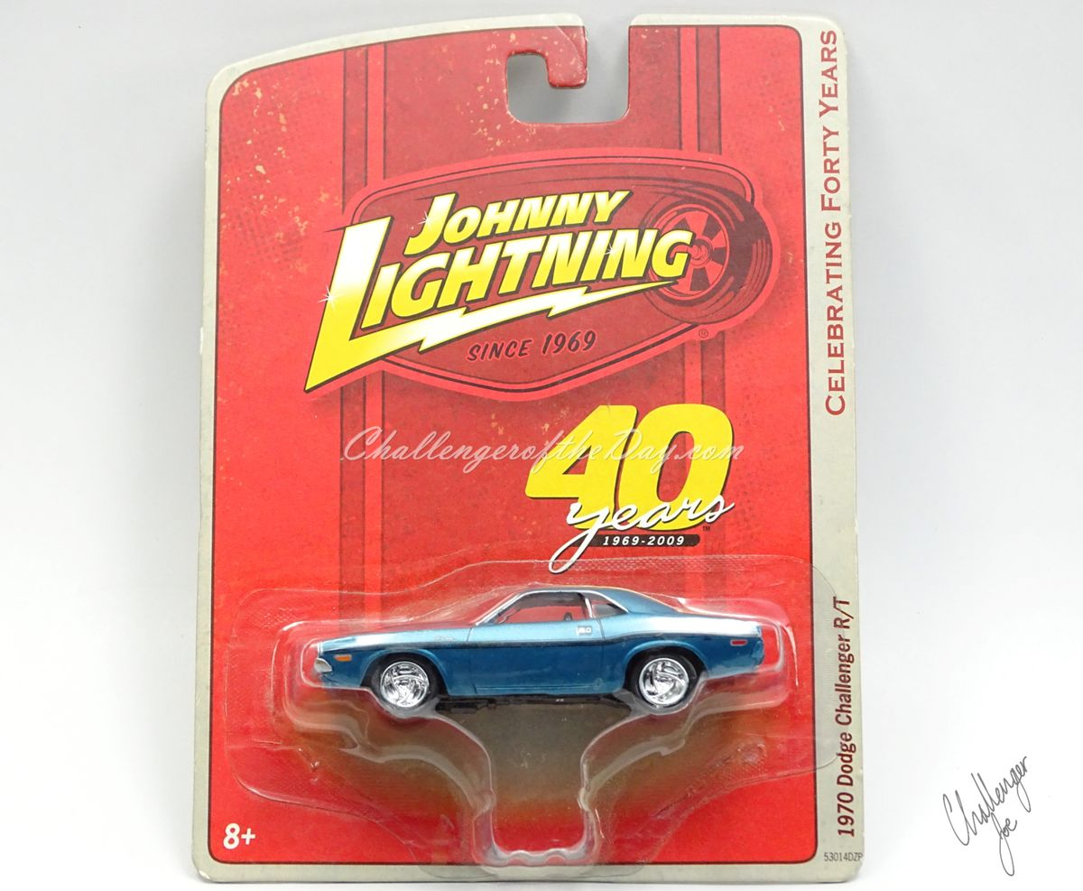 Johnny Lightning 1970 Dodge Challenger RT 440 Magnum in Blue (8).JPG