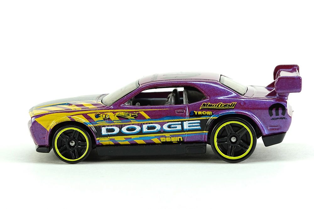 HW Drift Car Pearl Purple DS1.jpg