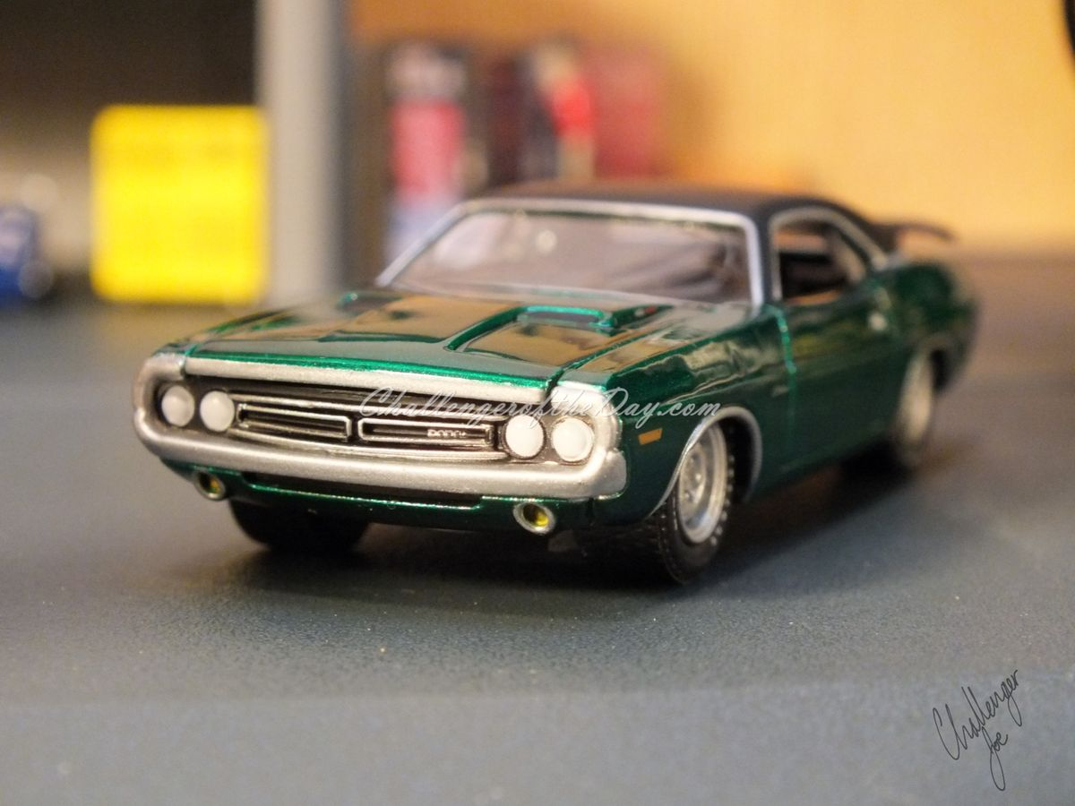 1971 RT 426 Hemi GreenLight Hot Putsuit Series Green Machine (8).JPG