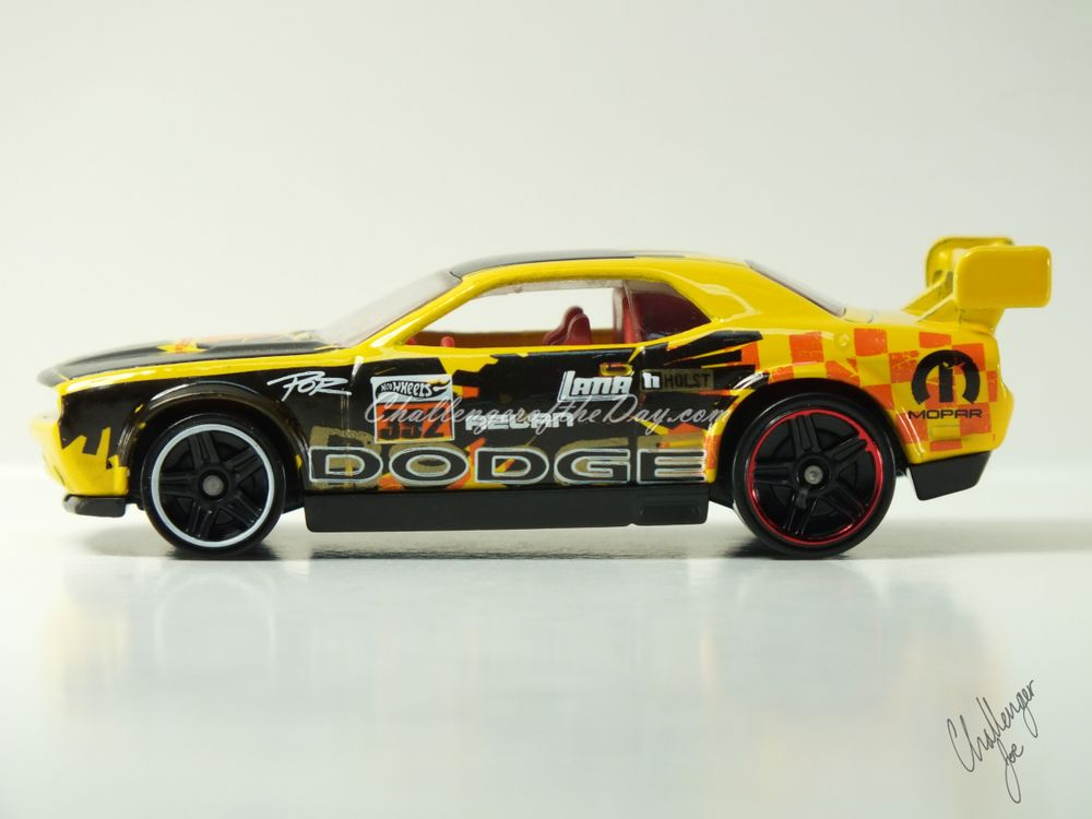 Hot Wheels Dodge Challenger Drift Car Yellow (1).JPG
