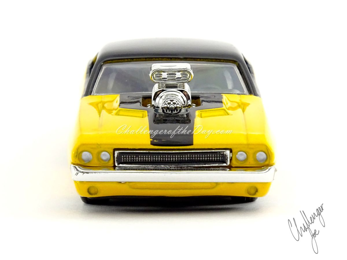 Jada Big Time Muscle 1970 Dodge Challenger RT With Engine Blower (3).jpg