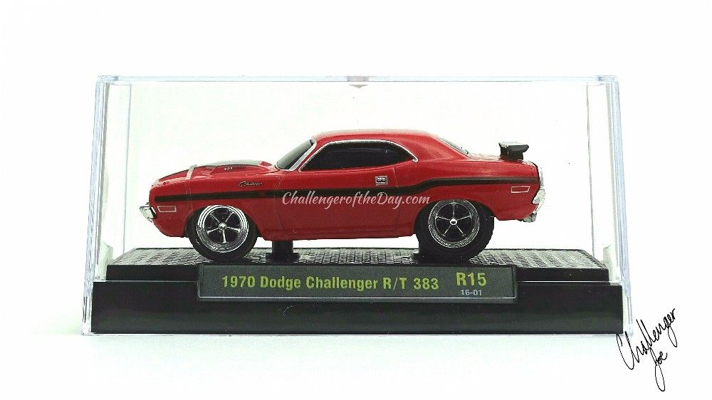 M2 Ground Pounders 1970 Dodge Challenger R/T Display Case