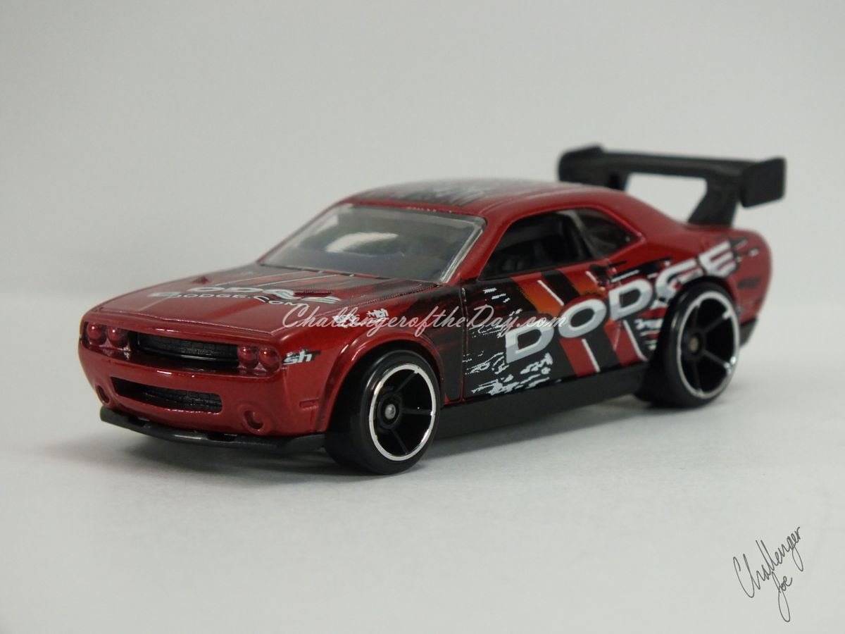 Hot Wheels Dodge Challenger Drift Car Red (8).JPG