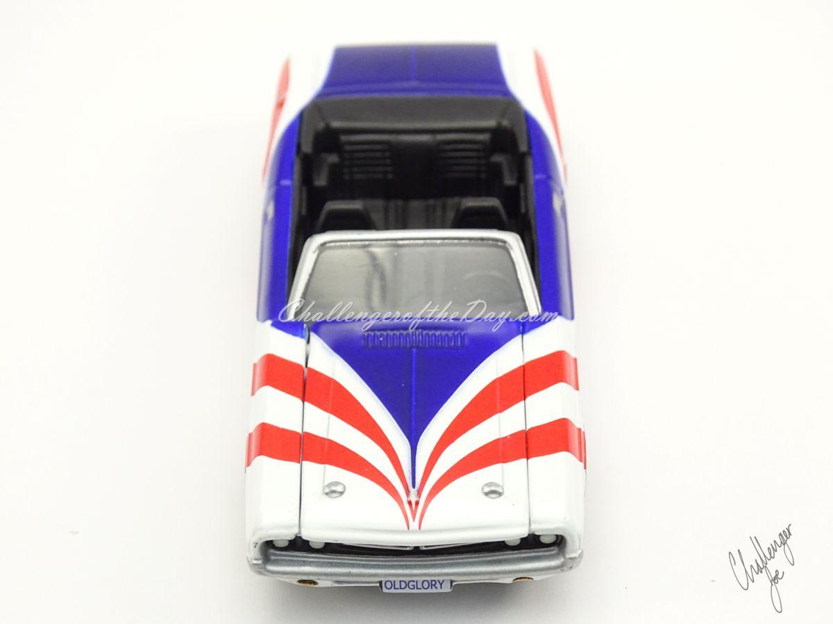 Johnny Lightning 1971 Dodge Challenger Convertible  (4).jpg