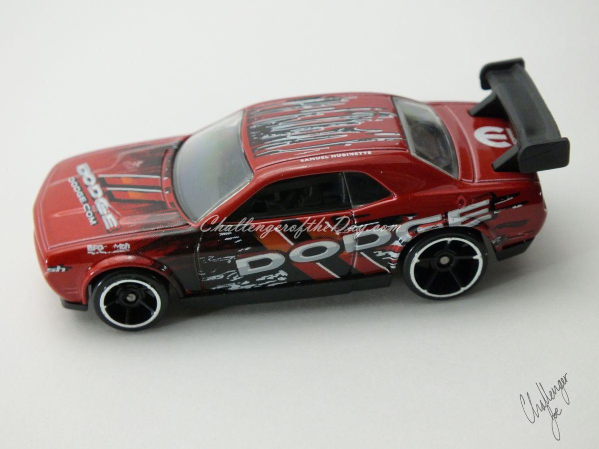 Hot Wheels Dodge Challenger Drift Car Red (7).JPG