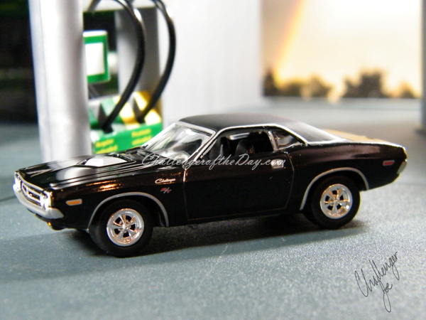 Richard Odie's 1971 Dodge Challenger RT340 Johnny Lightning (1).JPG