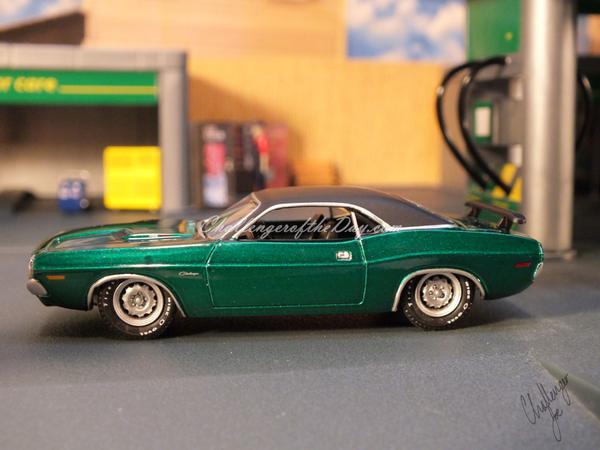 1971 RT 426 Hemi GreenLight Hot Putsuit Series Green Machine (7).JPG