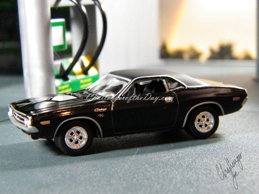 Richard Odie's 1971 Dodge Challenger RT340 Johnny Lightning (1).JPG