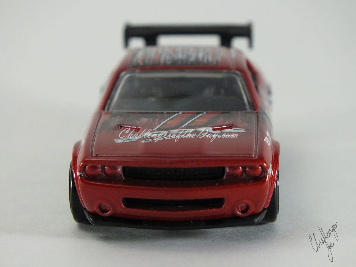 Hot Wheels Dodge Challenger Drift Car Red (2).JPG