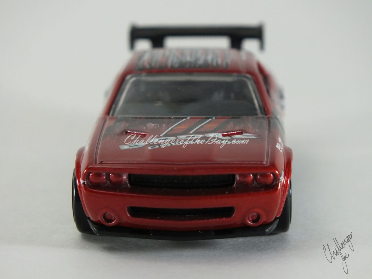 Hot Wheels Dodge Challenger Drift Car Red (2).JPG