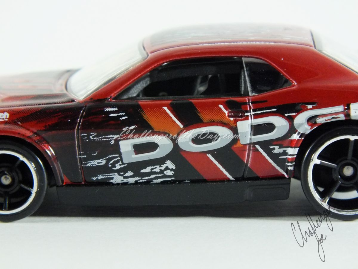 Hot Wheels Dodge Challenger Drift Car Red (6).JPG
