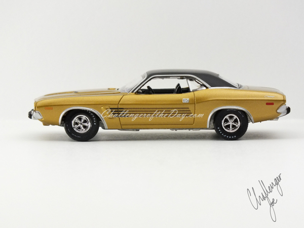Auto World 1973 Dodge Challenger Rallye Gold (1).JPG