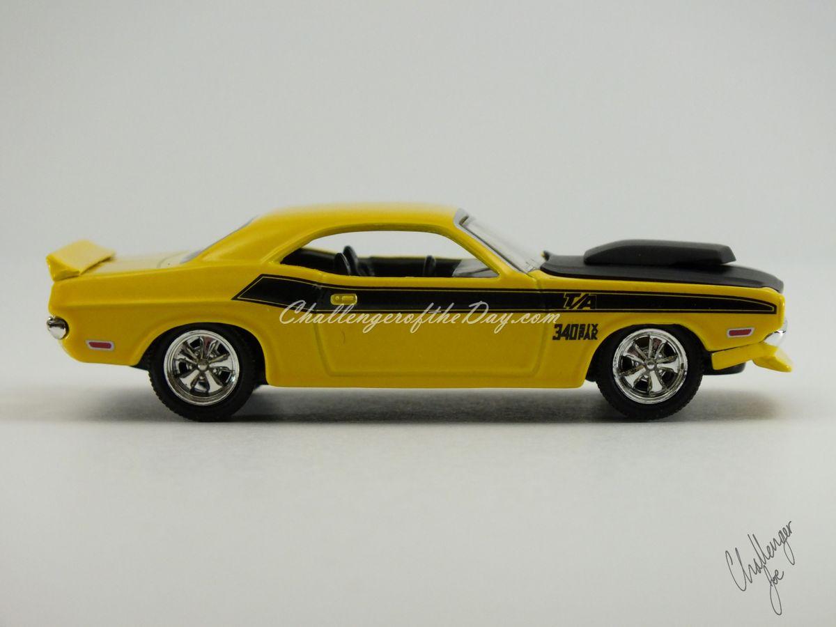 1970 Dodge Challenger Hot Wheels 100% TA 340 Six Pack (5).JPG