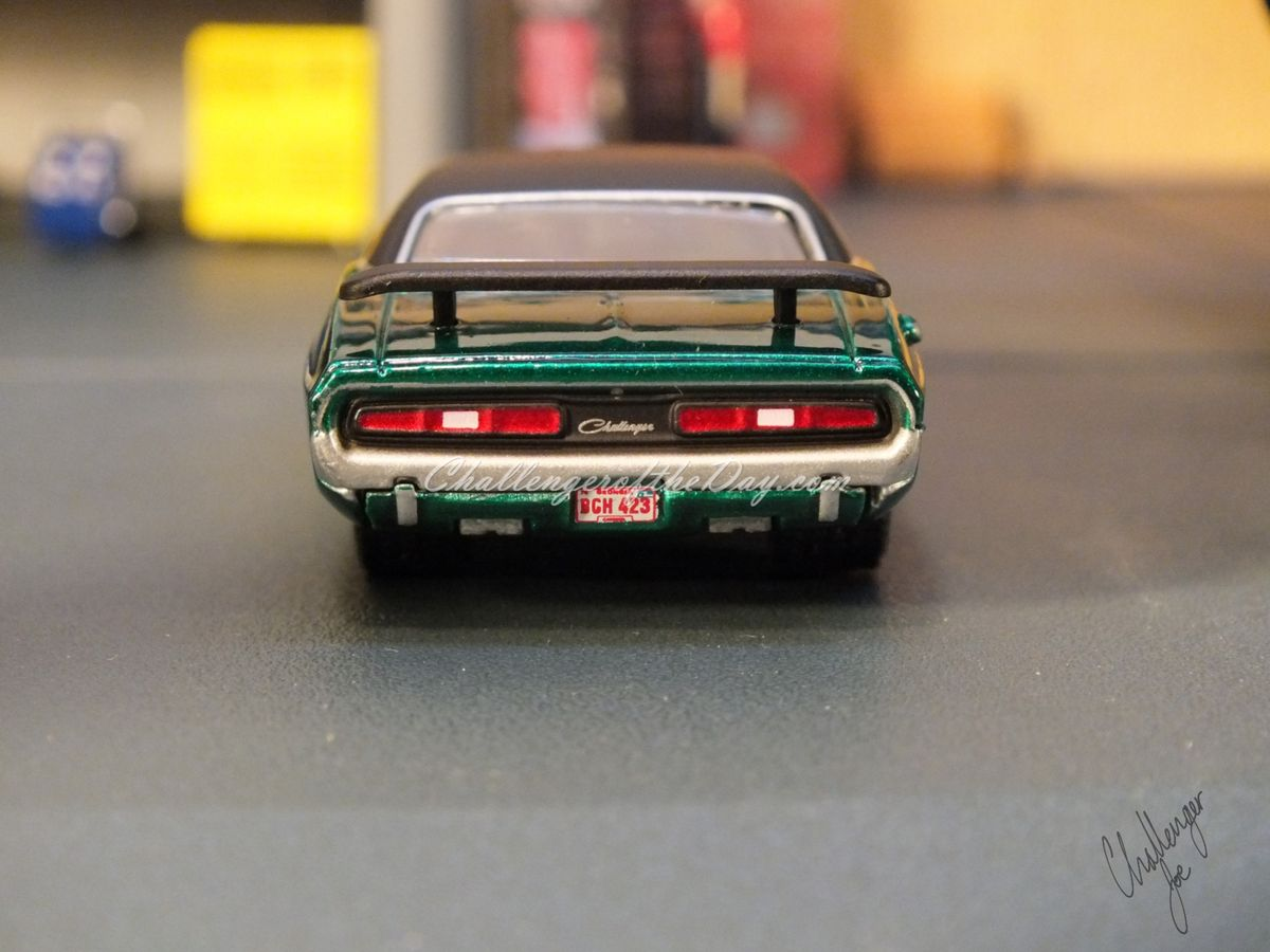 1971 RT 426 Hemi GreenLight Hot Putsuit Series Green Machine (10).JPG
