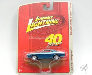 Johnny Lightning 1970 Dodge Challenger RT 440 Magnum in Blue (8).JPG