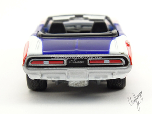 Johnny Lightning 1971 Dodge Challenger Convertible  (8).jpg