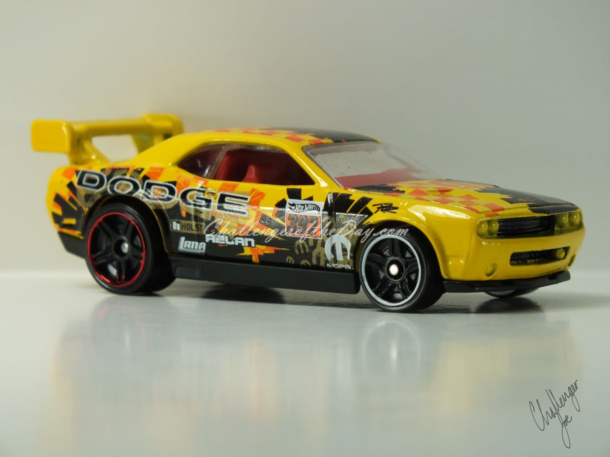 Hot Wheels Dodge Challenger Drift Car Yellow (4).JPG