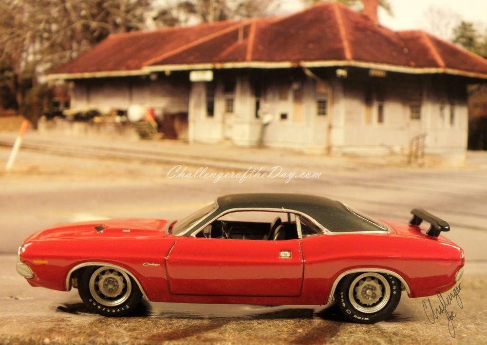 1971 RT 426 Hemi Greenlight Hot Pursuit Series Challenger (1).jpg