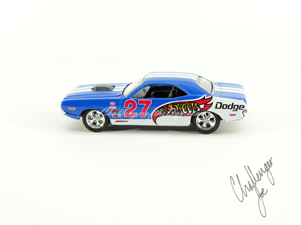 Hot Wheels 71 Dodge Challenger 440 Six Pack With Shaker In Blue